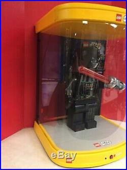 Lego Store Display Darth Vader 19 Figure In Case RARE