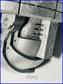 Oakley Award Trophy Pin Icon Bunker Employeee 4lbs Rare X-Metal Display Coin