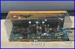 RARE Huge LEGO BATMAN Movie TRU STORE Lighted DISPLAY DIORAMA BATMOBILE ROBIN