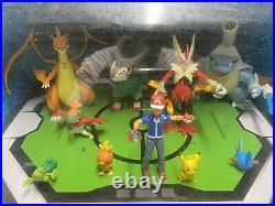 Rare 2015 Pokemon Toys R Us Store Display Action Figure Diorama