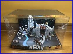 ULTRA RARELego LOTR 9474 The Battle of Helms Deep Store Display EXCL. CNDTN