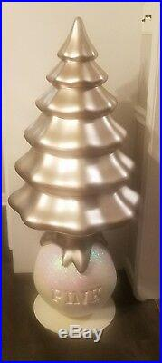 Victorias Secret PINK Christmas Tree with Snowball. Store Display and Rare